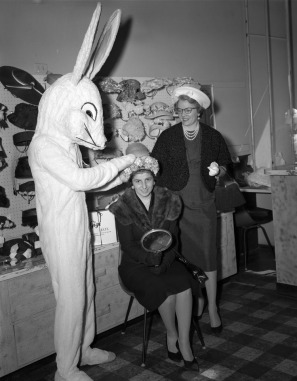 easter_bunny_2898504947
