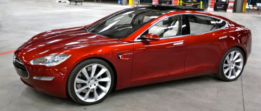 tesla_model_s_indoors_trimmed